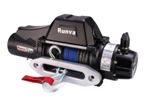 Runva performance winch in black with metal hook